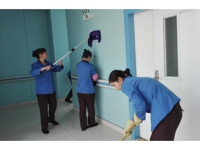 保洁人员的工作不只是打扫卫生