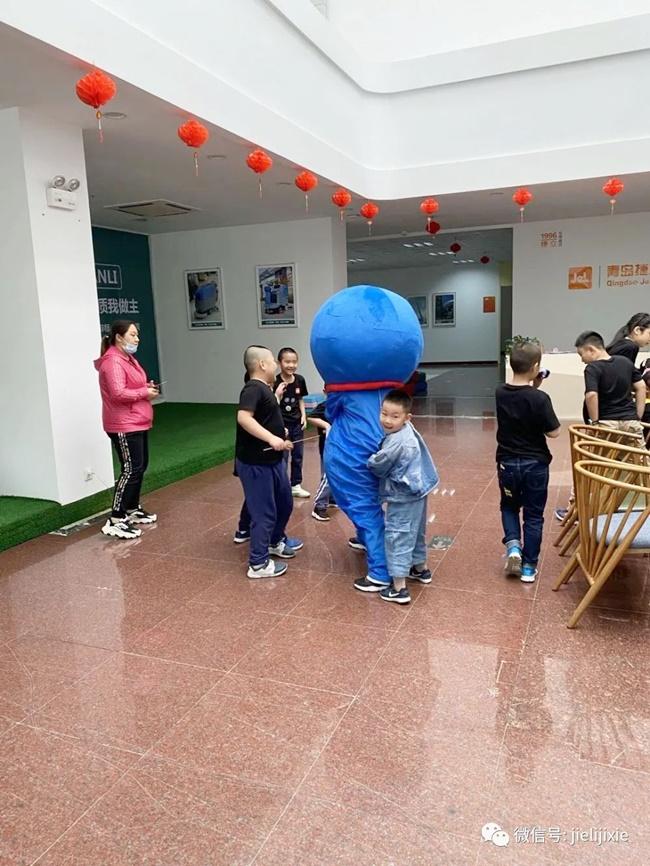 青岛坦力清洁设备祝各位小朋友儿童节快乐!