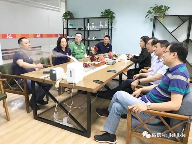 大中华酒店工程师协会山东分会莅临青岛坦力清洁设备参观考察