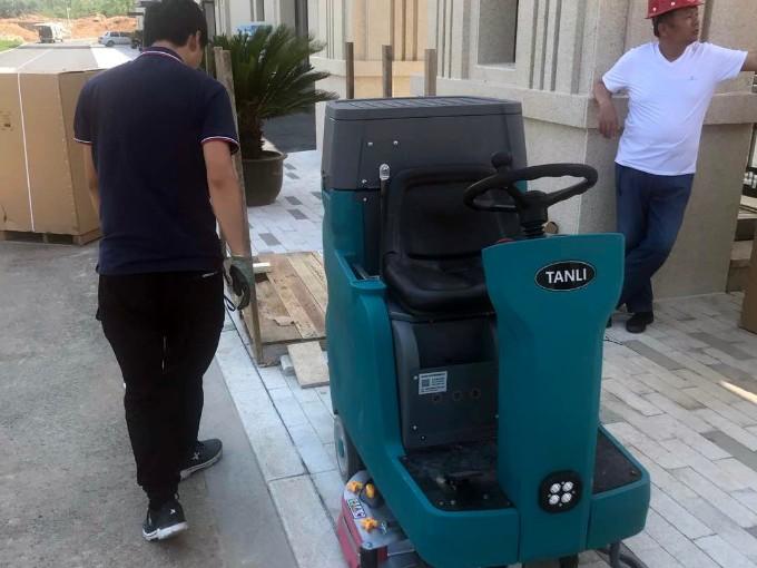 客户案例:威海某房地产物业为项目配置坦力洗地机