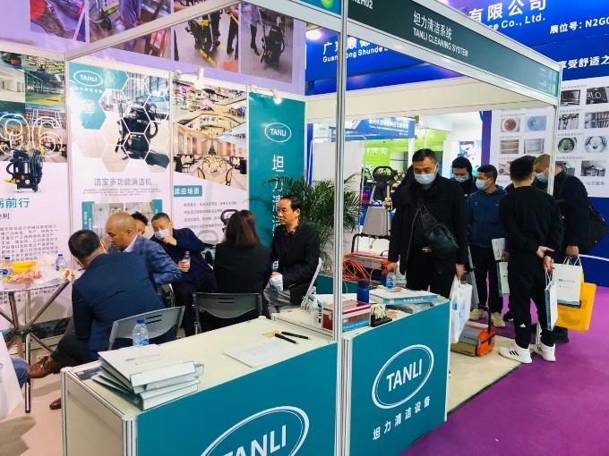 坦力清洁设备新品亮相CCE上海展,咨询场面火爆!