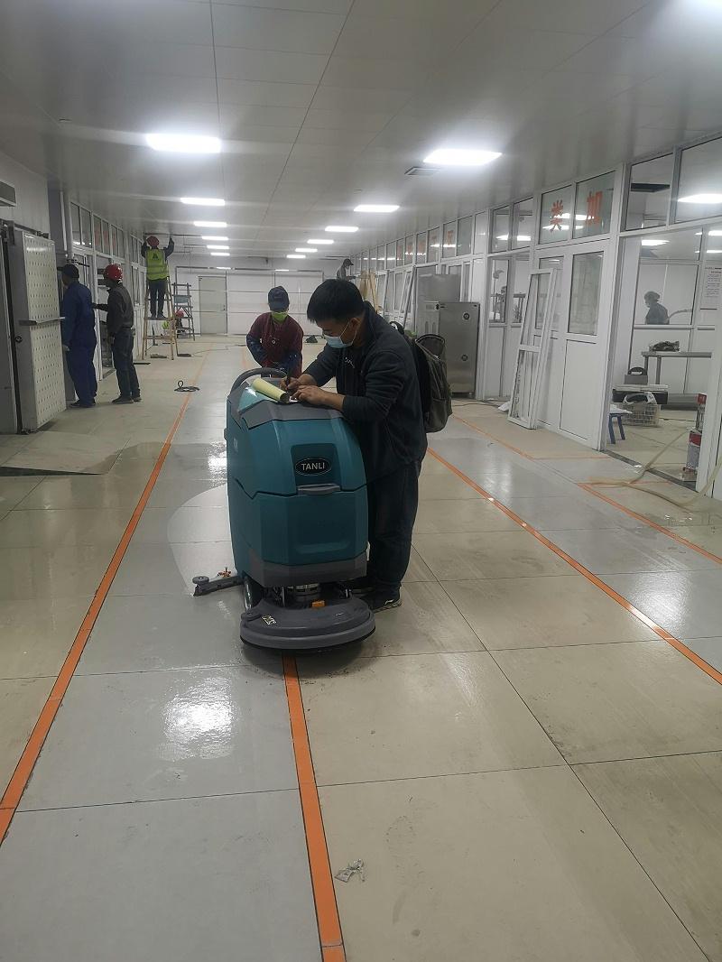 坦力手推式洗地机T50助力某老年公寓食堂保洁