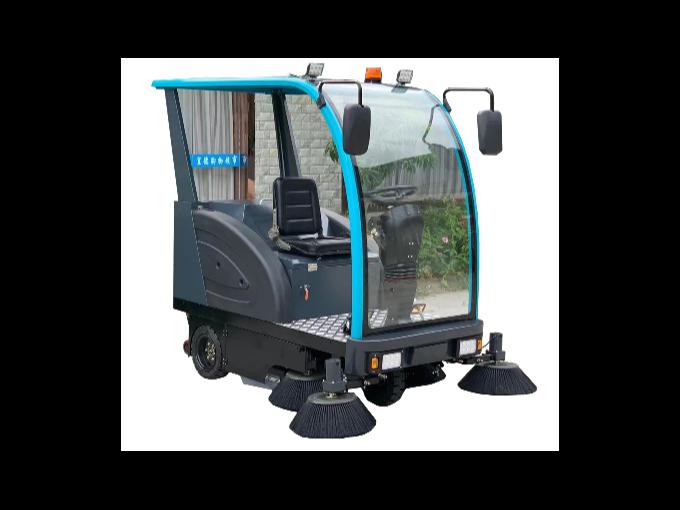 驾驶式扫地车普及是城市保洁发展方向