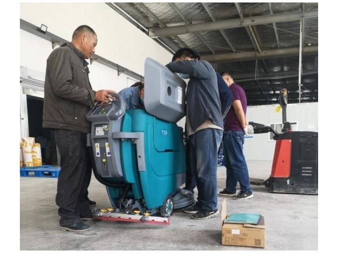 不同面积的工厂如何选择合适的洗地机?