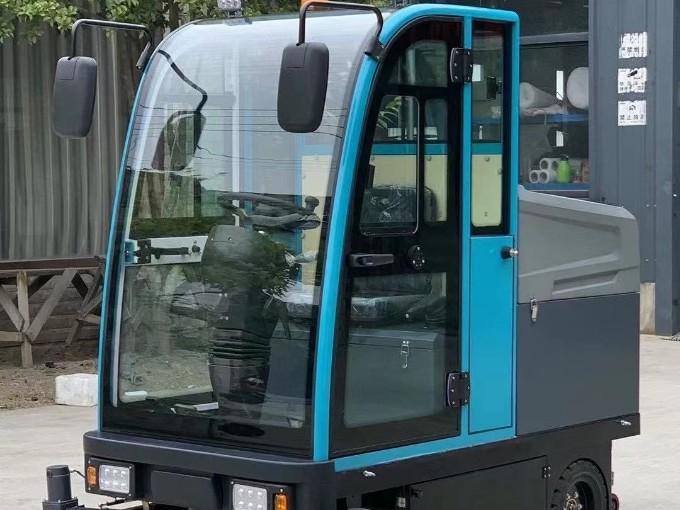 驾驶式扫地机关键零部件维护保养说明