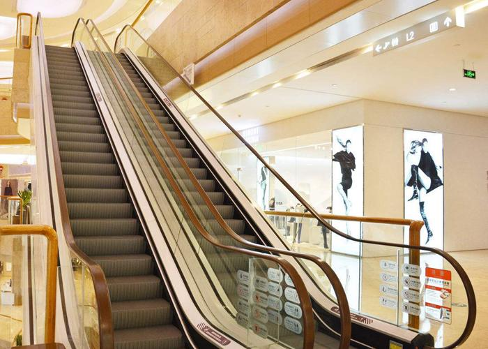坦力清洁设备教你如何清洁商场自动扶梯